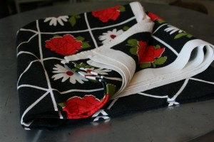 vintage tablecloth black white and red