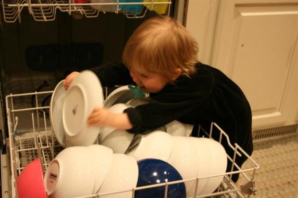filling dishwasher 2