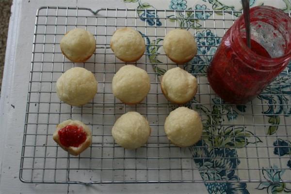 rolls with jam