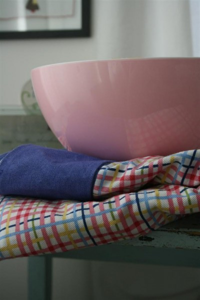bowl and blanket for cupids arrow valentines day party game