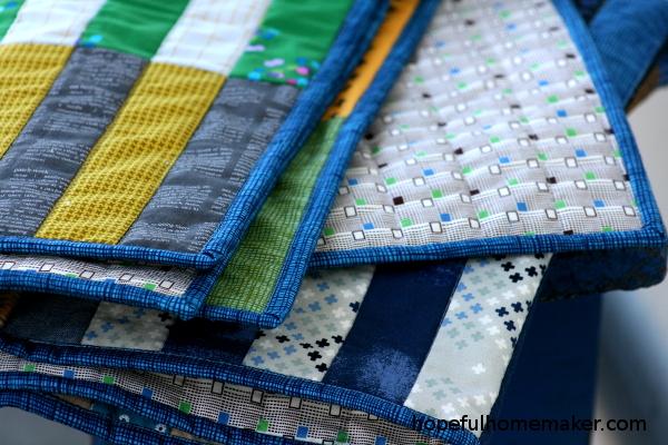 closeup of binding on quilt by Jennifer Harrison at Hopefulhomemaker.com