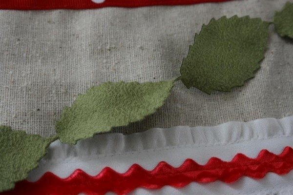 suede leaves ribbon