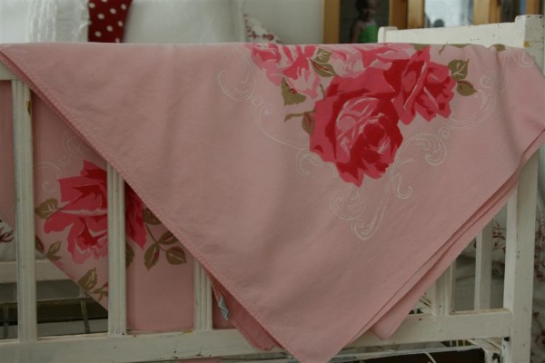 vintage pink roses tablecloth 4