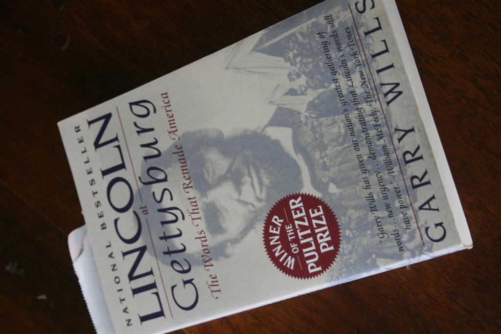 a review of lincoln at gettysburg by garry wills President lincoln was the special guest of david wills, the 32-year-old lawyer   outside of gettysburg, the speech received mixed reviews from newspapers of.