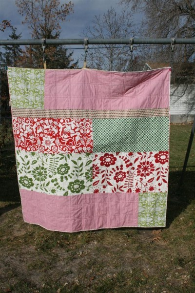 scrappy swoon quilt back